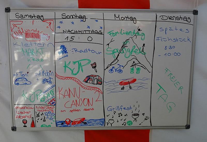 Tagesablauf im Familiencamp. Programm für die nächsten 4 Tage.