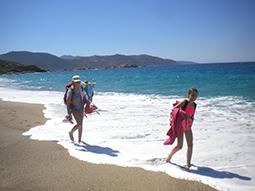 Jungendliche am Strand