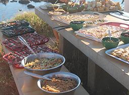 Abendbuffet am Strand