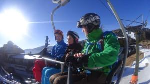 Im Sessellift Skireisen-für-jugendliche-I