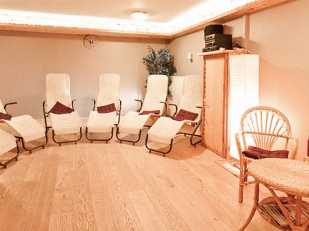 Entspannungsraum im Saunabereich der Unterkunft im Skiurlaub in Frankreich