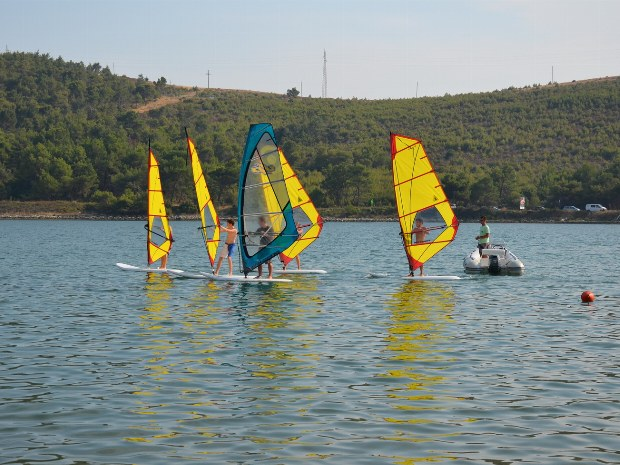 Surfkurs im Windsurfcamp Kroatien.