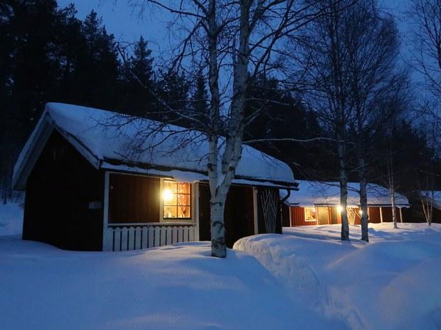 Schneehütte im Aktivcamp in Schweden