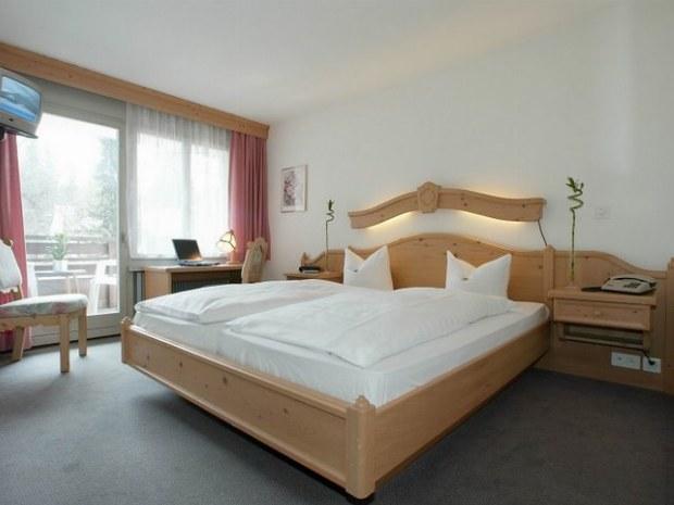 Beispiel eines Doppelzimmers in der Unterkunft Hoteln Surpunt im Skiurlaub in Frankreich