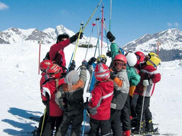 Die Skischule auf der Piste