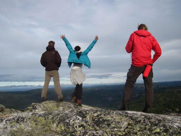 Freude nachdem bezwingen des Berges