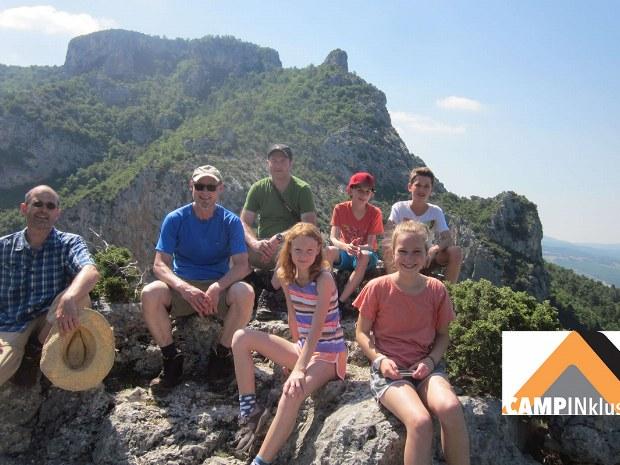 Wandergruppe in Pause im Grand Canyon du Verdon