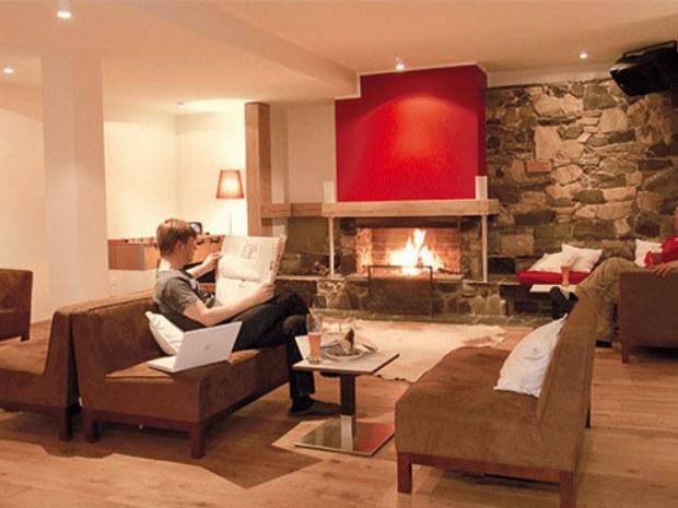 Lobby des Chalet Onu im Skiurlaub in Champéry in der Schweiz