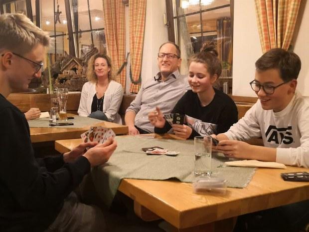 Spieleabend im Hotel