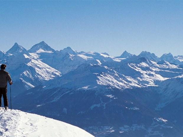 Panorama von Gipfel im Skigebiet Crans Montana in der Schweiz
