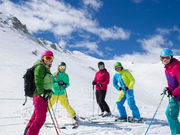 Bei uns muss niemand alleine Skifahren