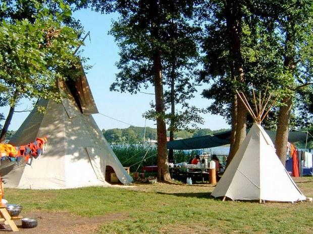 Das Zeltlager direkt am See
