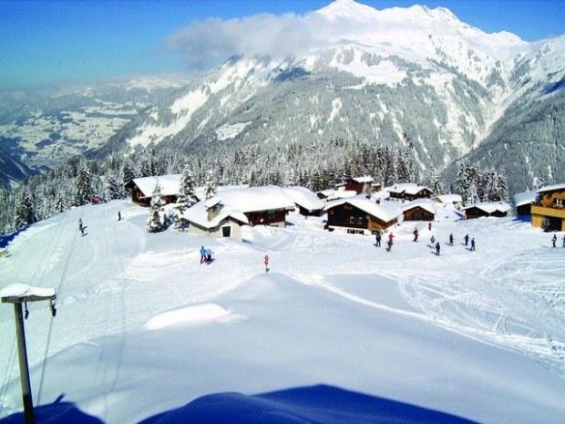 Ansicht der Skipiste im Skigebiet Garfrescha/Montafon in der Schweiz
