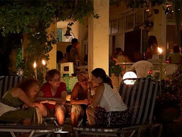 Außenbereich Hotelbar des Sportclubs auf der Insel Korfu