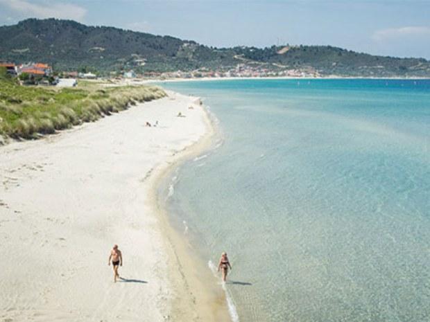 Sandstrand Sarti Beach am Meer