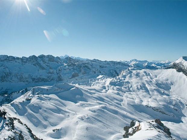 Panorama der Berge im Skigebiet Champéry in der Schweiz