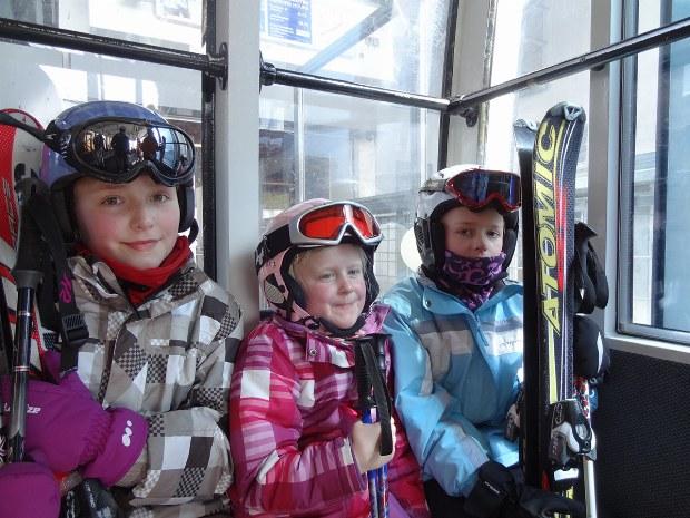 Kinder im Skilift im Skigebiet Bad Hofgastein