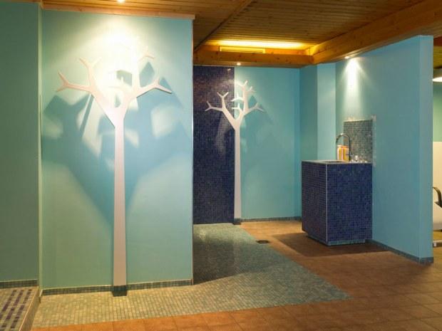 Wellnessbereich mit Sauna und Ruhebereich