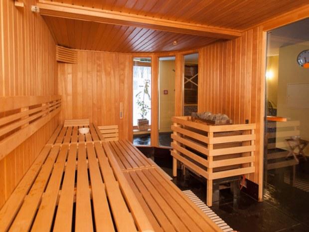 Saunalandschaft im Arlberger Hof