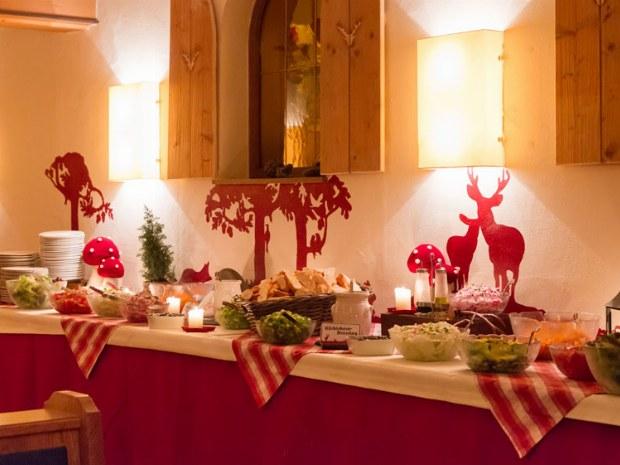 Salat-und Suppenbuffet am Donnerstag abend mit anschließendem Hauptgang
