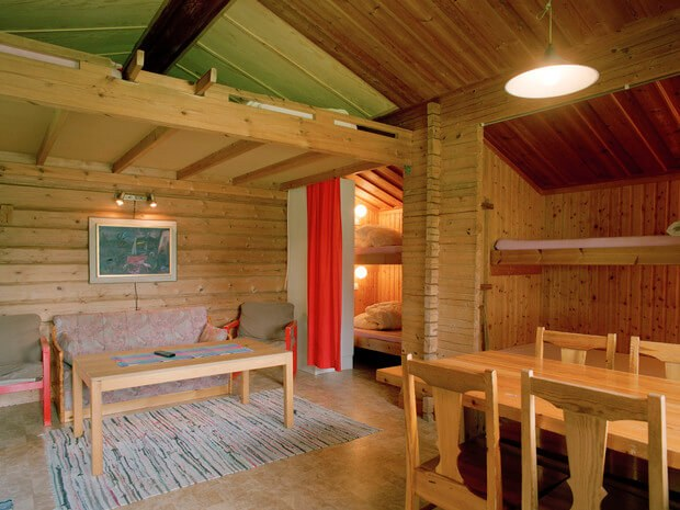 Die gemütlichen Holzhütten von innen