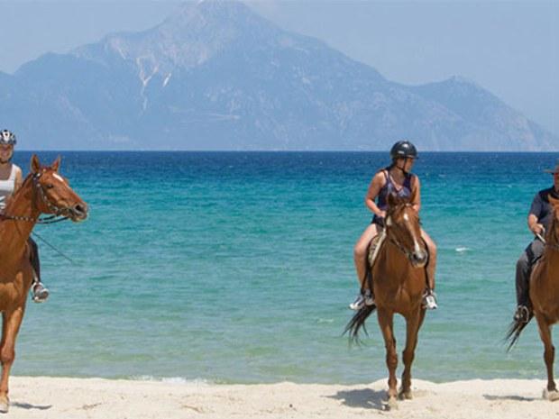 Ausritt am Strand Sarti Beach auf griechischer Halbinsel