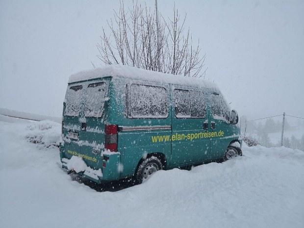 Heute muessen die Schneeketten drauf