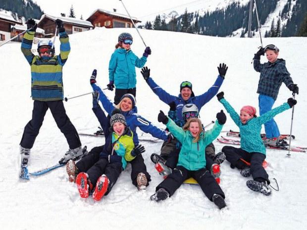 Das Skifahren macht Groß und Klein viel Spaß